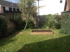 Back garden raised bed 3pm Sat 220417